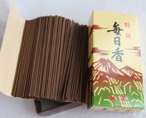 Mainichikoh Kyara Deluxe Aloeswood Incense | Box of 300 Sticks by Nippon Kodo