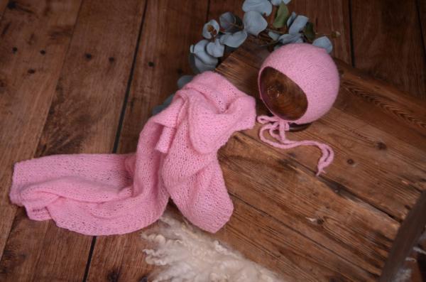 Set Wrap aus glatter Angora mit Mütze in Rosa