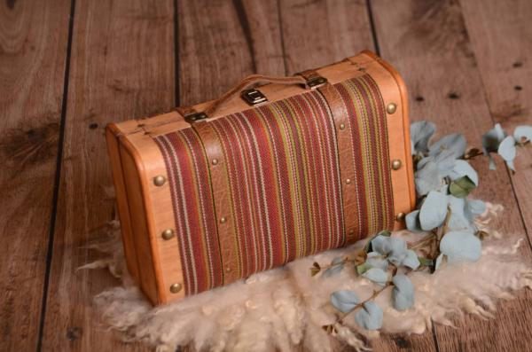 Coloured rustic suitcase 37 cm