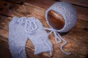 Conjunto de angora pantalón y gorro ajustado celeste claro
